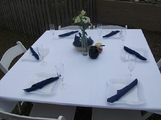 Pencuke Farm Holidays: Lovely table setting