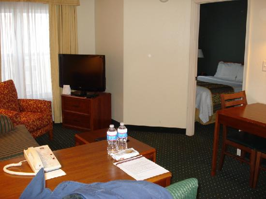 Residence Inn Boston Framingham : Room