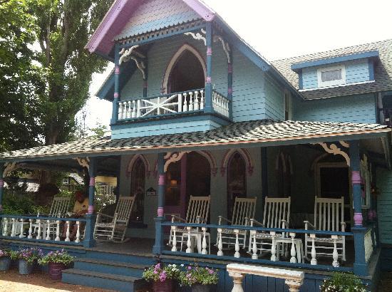 Narragansett House: front of Narransett House