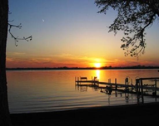 Dickerson's Lake Florida Resort: Lake Florida sunset