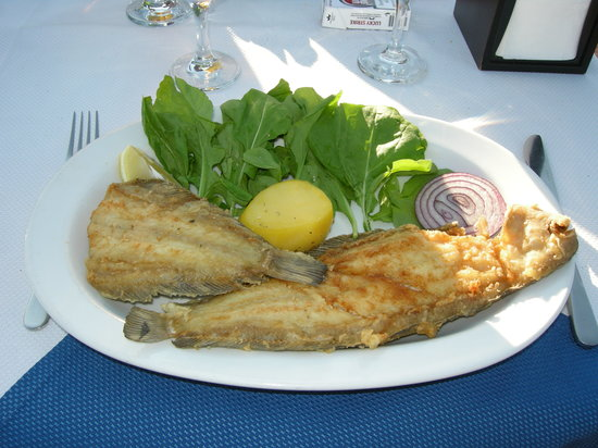 Seven Hills Restaurant : Sole with dry lettuce leaves, cold potato and a slice of onion
