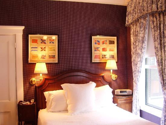 The Charlotte Inn : our room