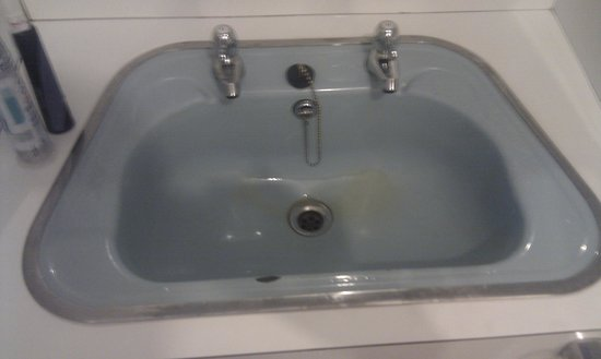 The Sunningdale: The sink unit