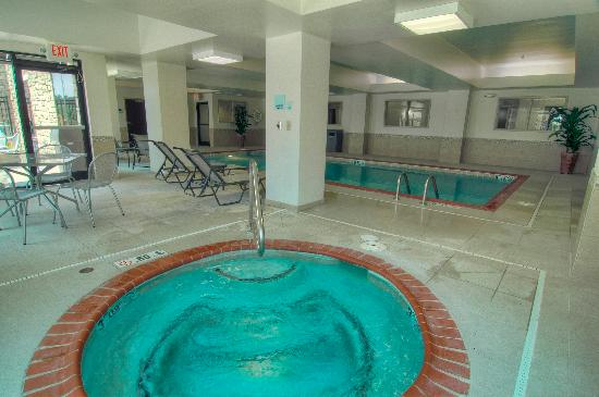 Holiday Inn Express & Suites Conway: Hot Tub