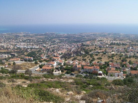 Louis Imperial Beach : view from mountainside of Paphos