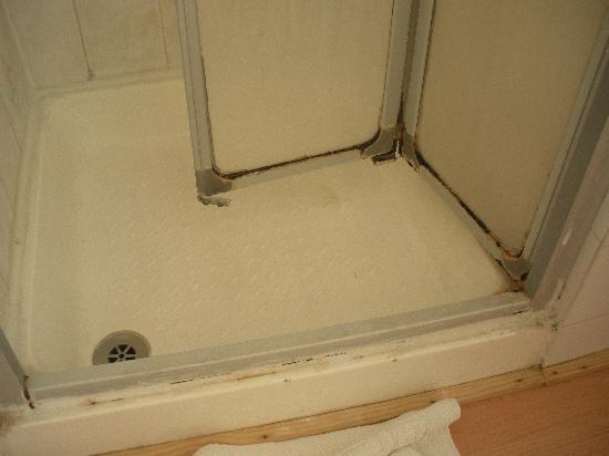 Lindal Hotel: Shower!