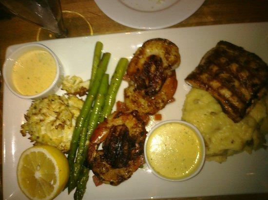 Devon Seafood + Steak : Mixed Seafood Grill