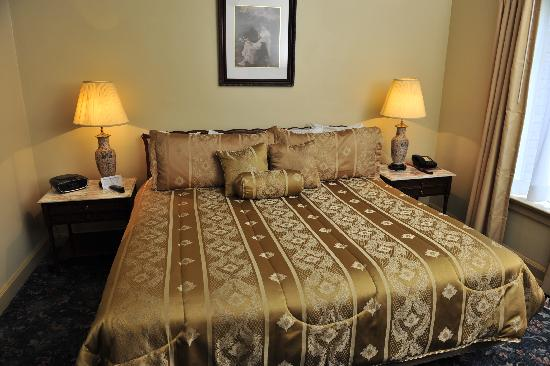The Faust Hotel: Bedroom in the Chancellor Suite