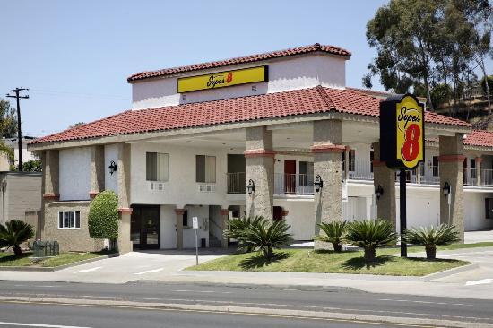 Motel 6 La Mesa CA: Exterior