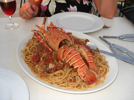 Villa Apollon Skiathos: Dounias lobster and spaghetti