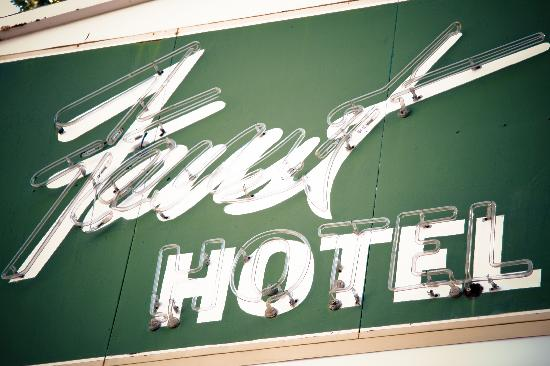 The Faust Hotel: Sign