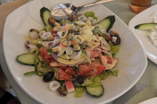Almira Restaurant: Seafood Salad