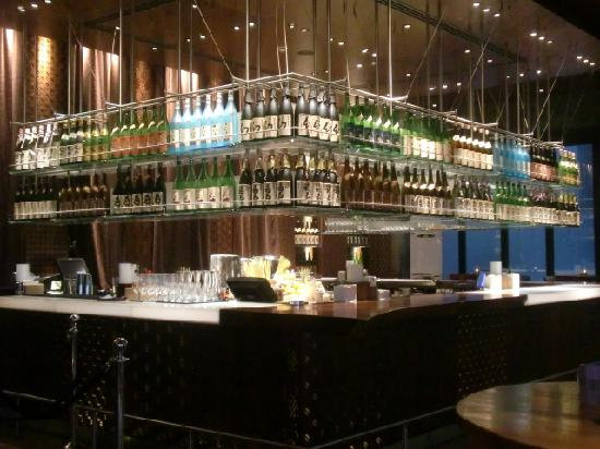 Zuma: 日本酒ディスプレイ