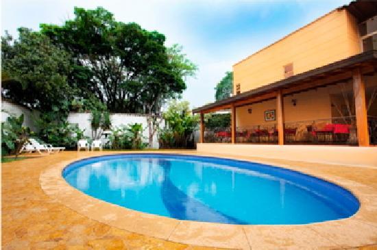 Hotel Portales del Campestre: Piscina