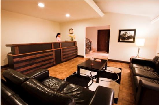 Hotel Portales del Campestre: Lobby