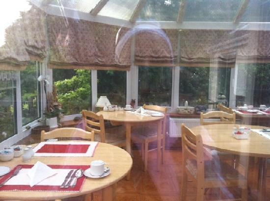Plas Trevor Bed & Breakfast: Breakfast Area