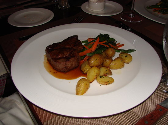 Porterhouse: Filet mignon - 8 oz with grilled potatoes and vegetable