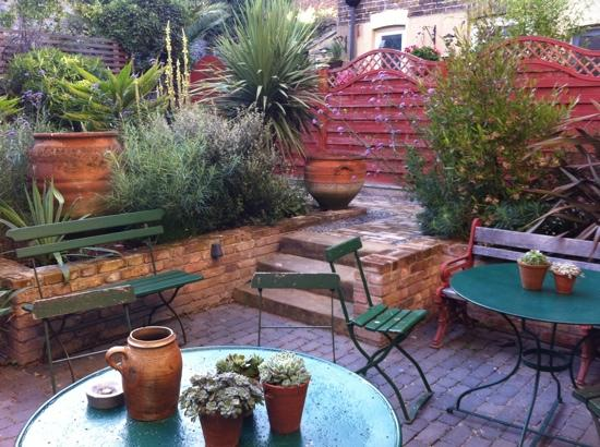 Belvidere Place: Jilly's garden