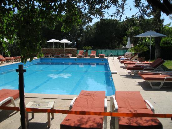 piscine photo de les jardins de cassis cassis tripadvisor. Black Bedroom Furniture Sets. Home Design Ideas