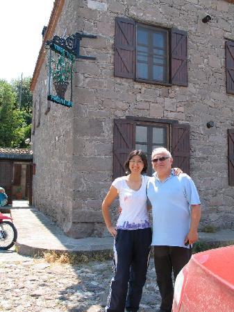 Biber Evi : Manager Beham with inn owner Lutvi
