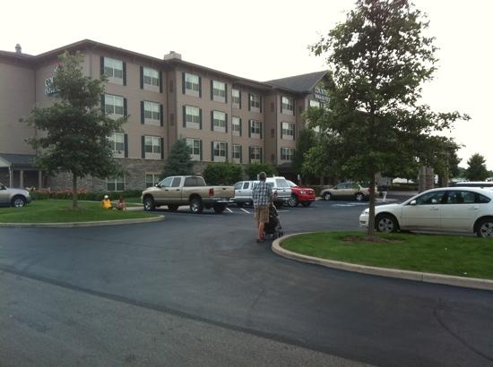 Country Inn & Suites By Carlson, Portage: hotel entrance