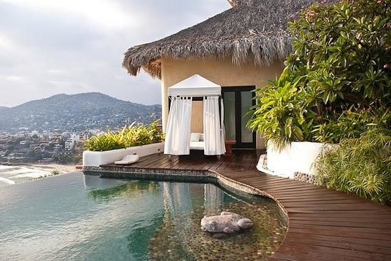Tentaciones Hotel: pool deck