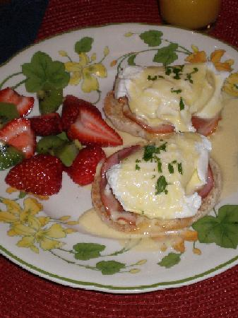 "502 South Main: ""4 Star"" Eggs Benedict"