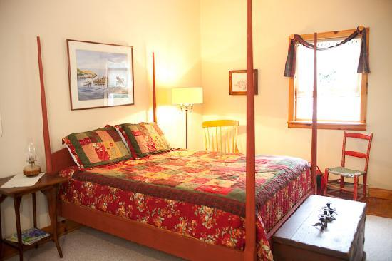Jackson's Falls Country Inn: Emigh Room queen & single