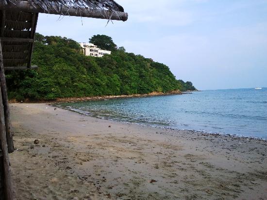 Summer Breeze Inn Hotel: 10 minutes to Local Quiet Beach