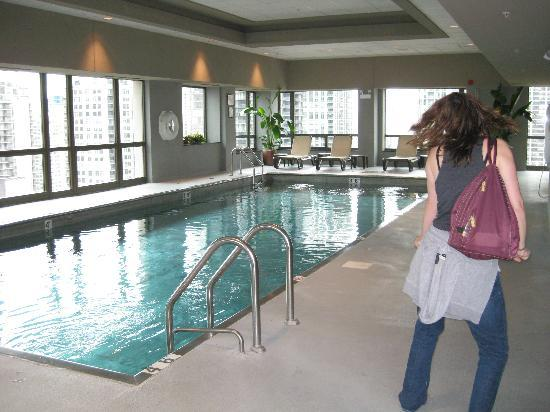 Swimming pool picture of homewood suites by hilton - Hilton garden inn grand ave chicago ...