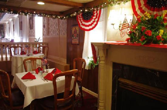 Okawville, IL: Dining in patriotic mode July 2011