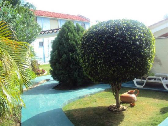 Beny's House: giardini