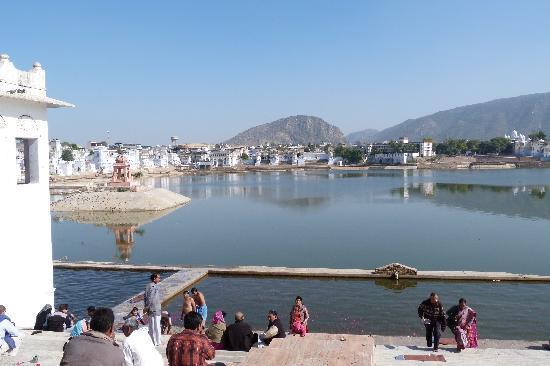 Ram Kuti Pushkar : pushkar lake