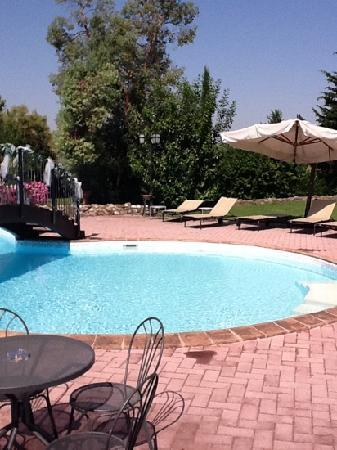 Relais Madonna di Campagna: piscina