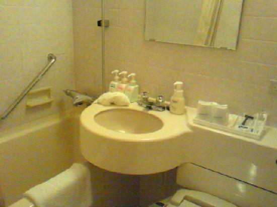 Premier Hotel -CABIN- Shinjuku: バスルーム