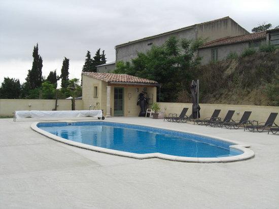 Domaine de Caraman: Pool area