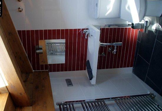 Hotel Rural Emina : Bañoa habitación