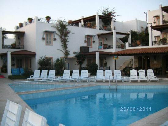 Hotel Comca Manzara: il y a 2 piscines à deux endroits différents de l'hotel
