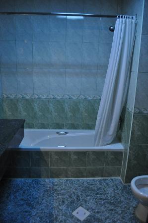 City Inn Al Seef: Room