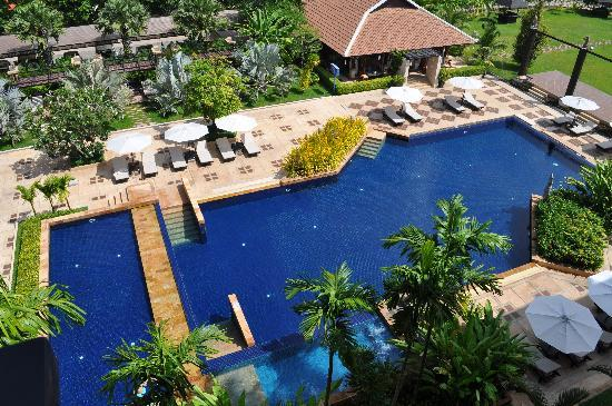 Angkor Miracle Resort & Spa: The view of the pool from my room