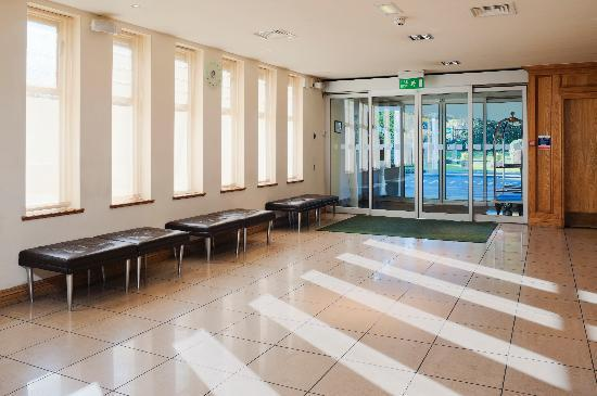 Holiday Inn Birmingham M6, Jct. 7: Lobby