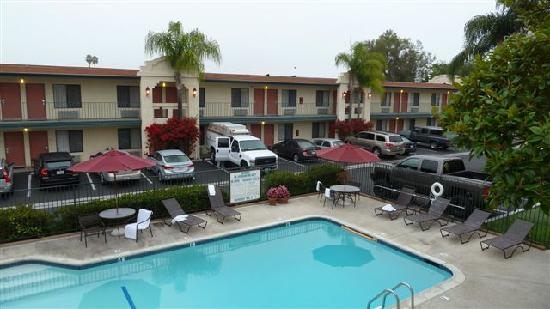 BEST WESTERN Lamplighter Inn & Suites at SDSU: la piscine ( pas chauffée par contre )