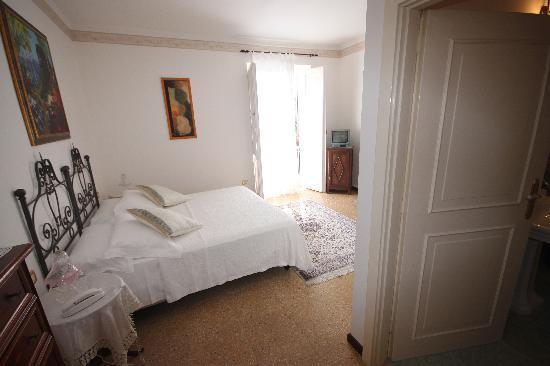 Romantic Hotel & Restaurant Villa Cheta Elite: Room