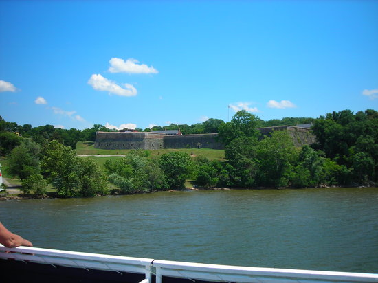Spirit of Washington Cruises: View from the boat.
