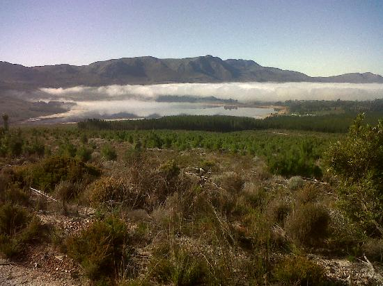 ECO-Discovery: View from the lookout point – the Eikenhof Dam set in the Elgin Valley.