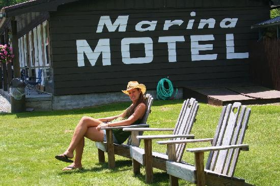 Marina Motel: Marina backyard