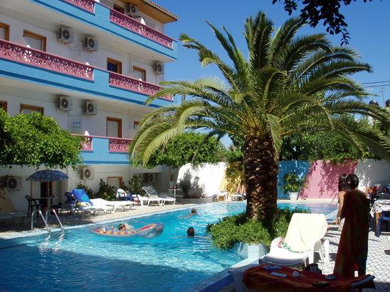 Ntanelis Hotel: pool
