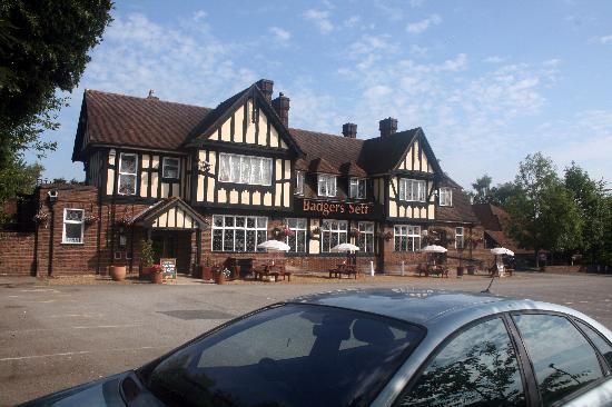 Premier Inn Hagley Hotel: Near a main road but isolated from the noise