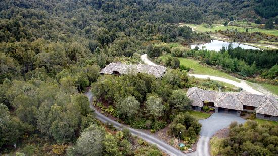Treetops Lodge & Estate: air view from Helicopter