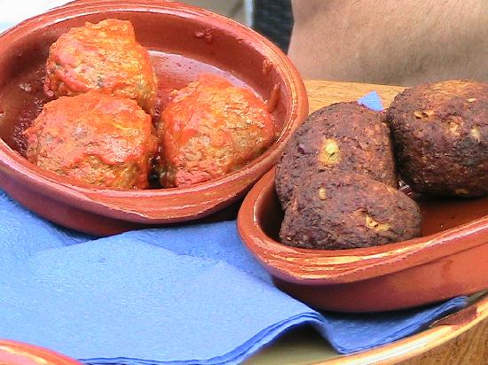 Tapa Feliz: Meatballs on left and tuna croquettes on right. Had to eat one of each before I could take pictu